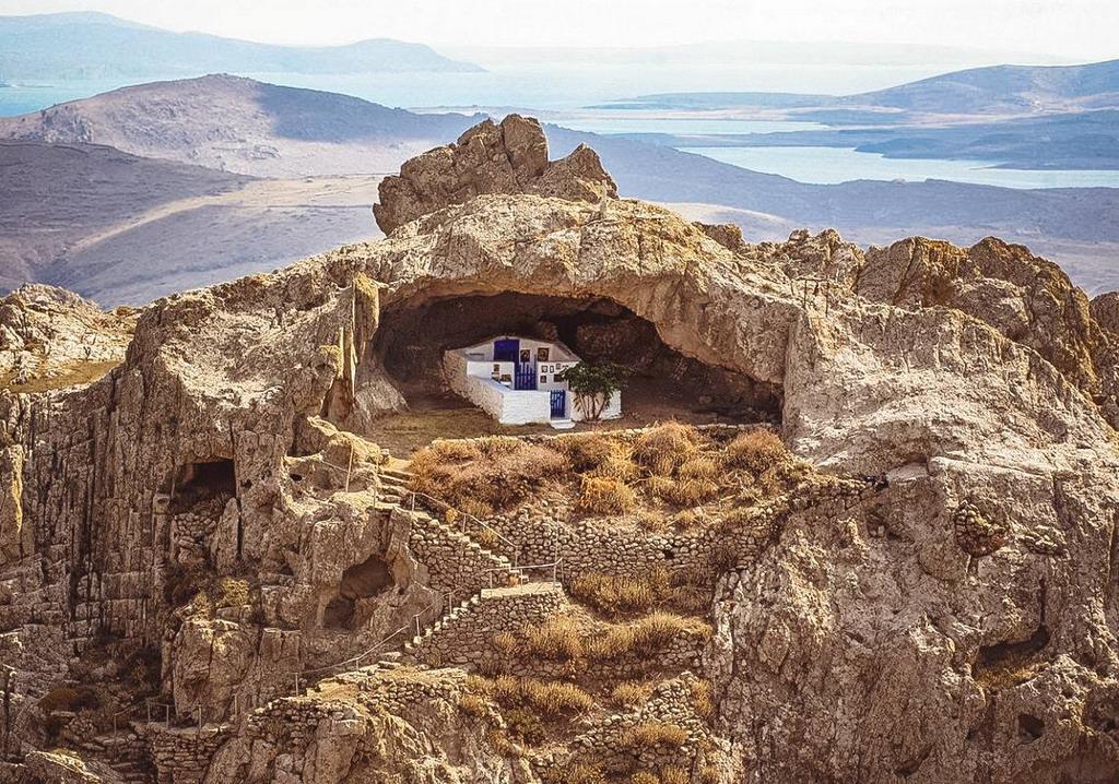 Jedinstvena crkva bez krova na ostrvu…