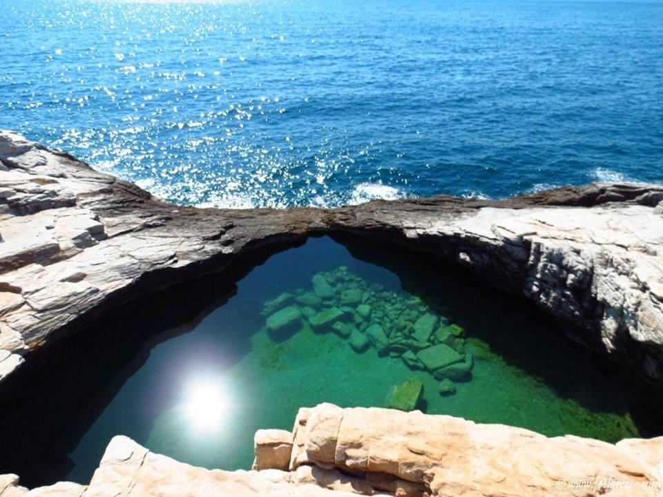 Giola plaža i prirodni bazen - neobična atrakcija Tasosa