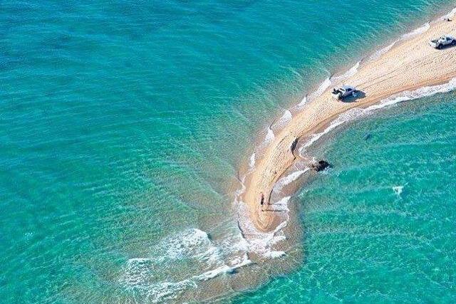 Fanari plaža: peščani sprud nedaleko od Soluna