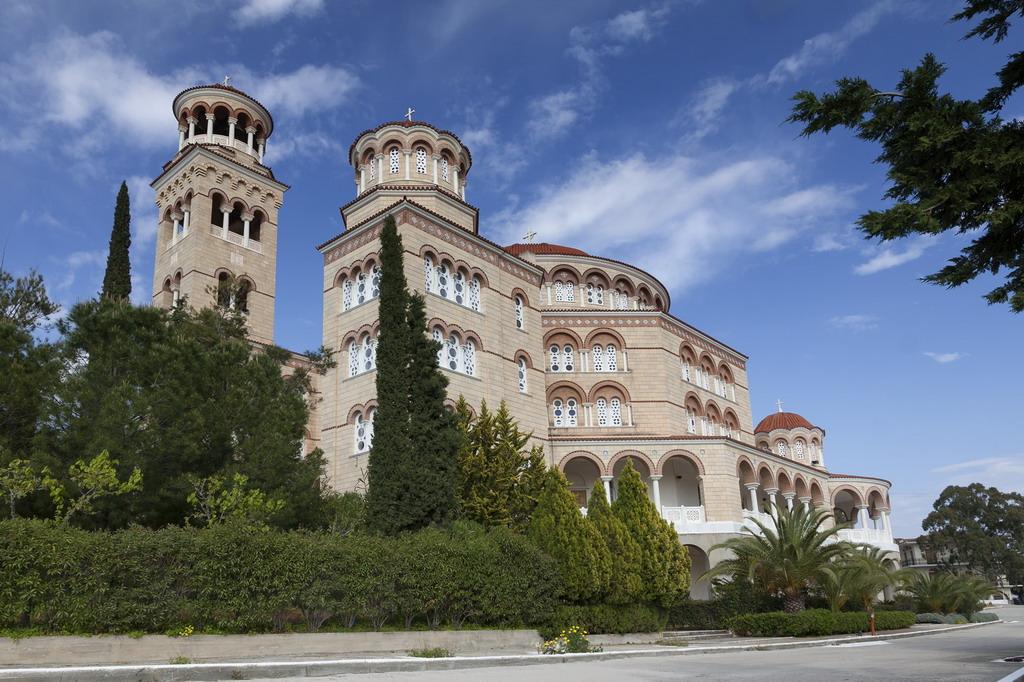 Ostrvo Egina: Manastir iscelitelja i čudotvorca Svetog Nektarija Eginskog