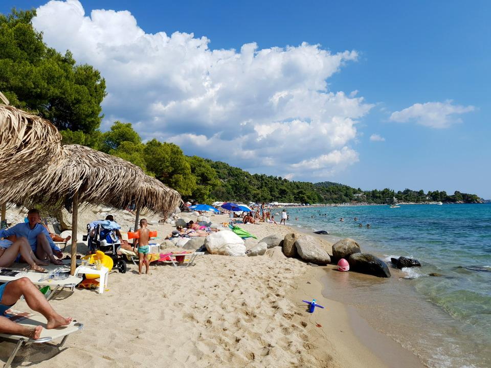 Nova naknada u Grčkoj za plaćanje od juna – novi udar na džep turista (prvoaprilska šala)