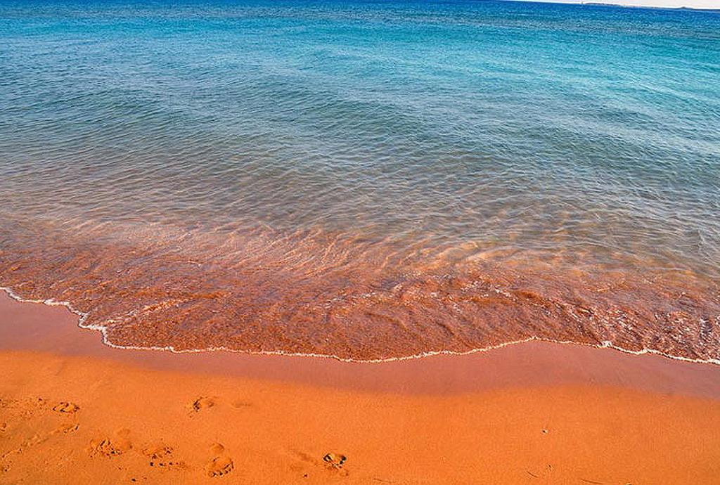 Čuvena Ksi plaža sa narandžastim peskom na ostrvu Kefalonija