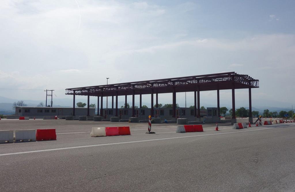 Nova naplatna rampa na prelazu Evzoni počela sa radom u decembru
