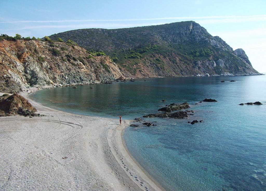 Plaža Lemos: Nepristupačna divljina Sitonije
