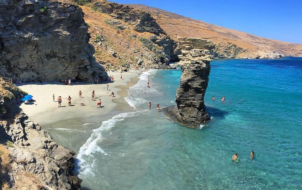 Ako ne znate gde u Grčku razmislite o ostrvu Andros