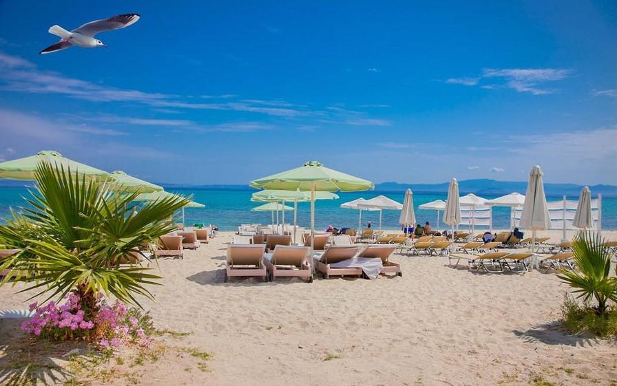 Molos on the beach - Hanioti