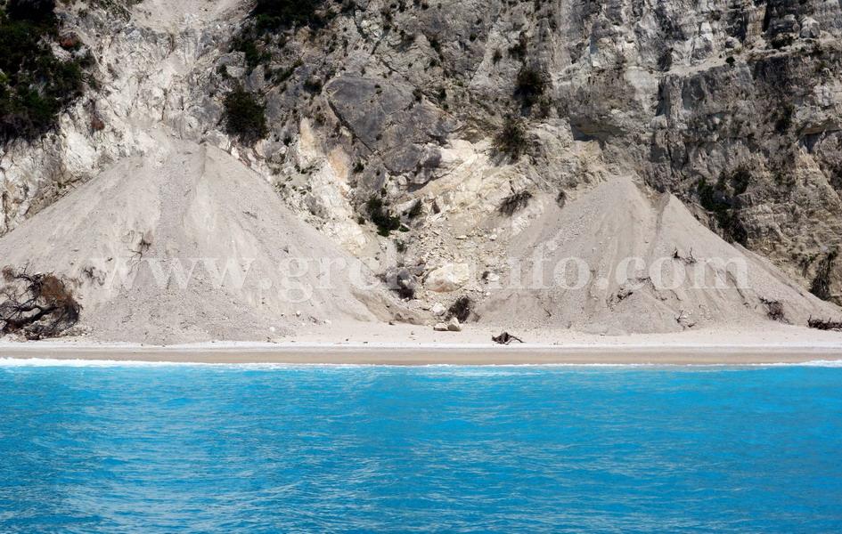 Egremni i Gialos plaža na Lefkadi posle zemljotresa