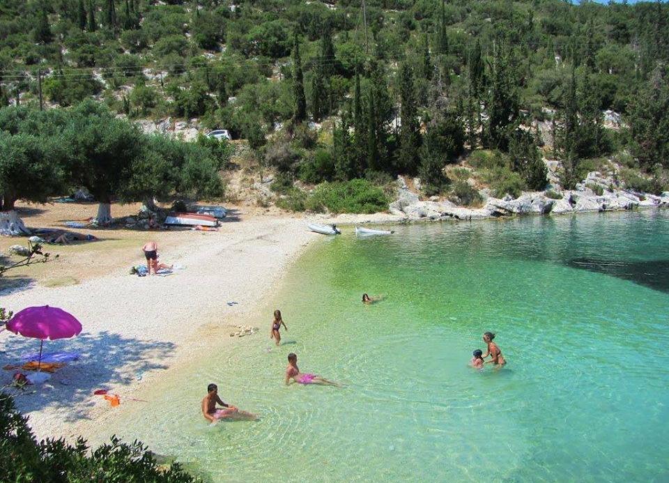 Top 10 plaža u Grčkoj sa prirodnim hladom