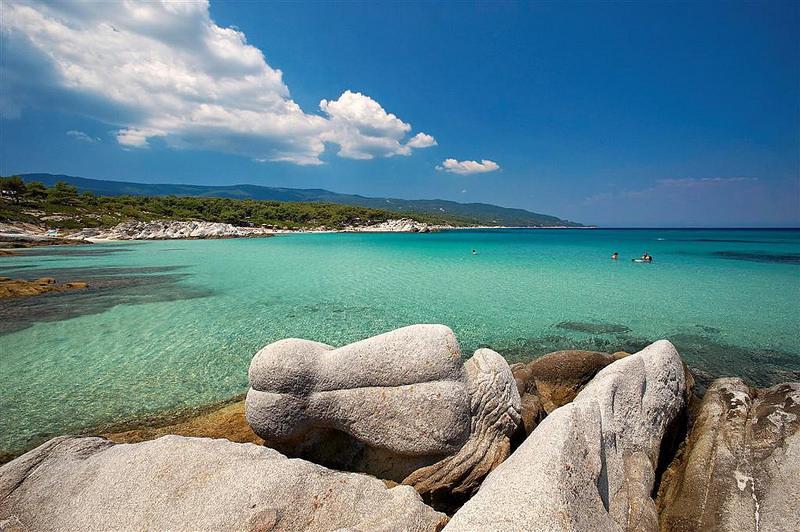 Uništena čuvena sirena na Kavourotripes plaži