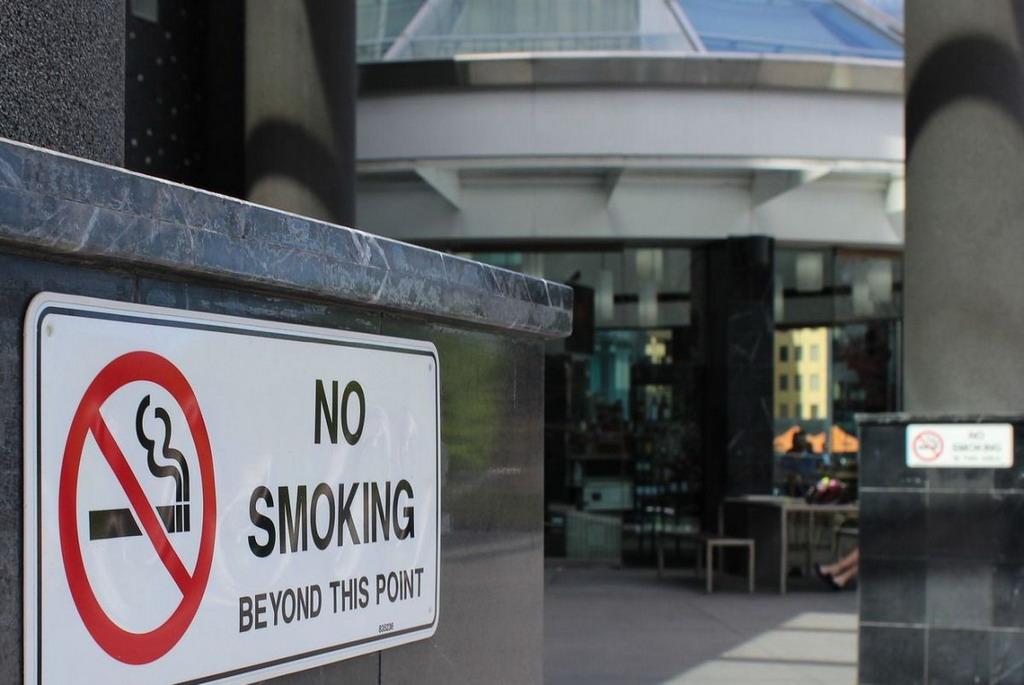 Oprez, novi zakon u Grčkoj: Za pušenje u autu kazna do 1.500 evra i oduzimanje vozačke!