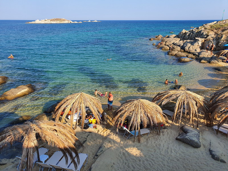 Nestvarna egzotika na Sitoniji: Tigania plaža