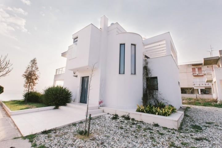 Borealis Sea Front Villa