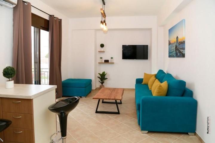 Zandre Shiny Apartment
