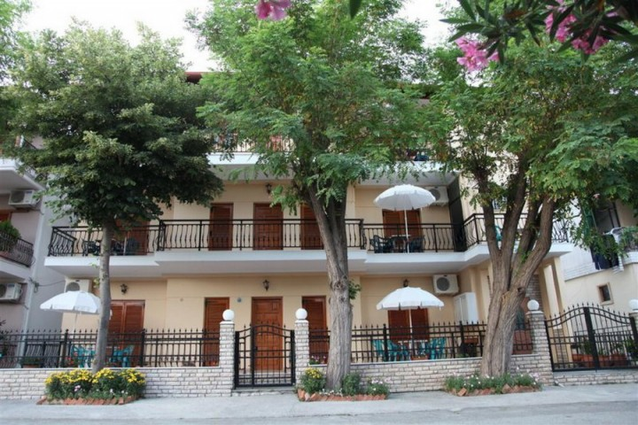 Vasiliki Apartments & Studios