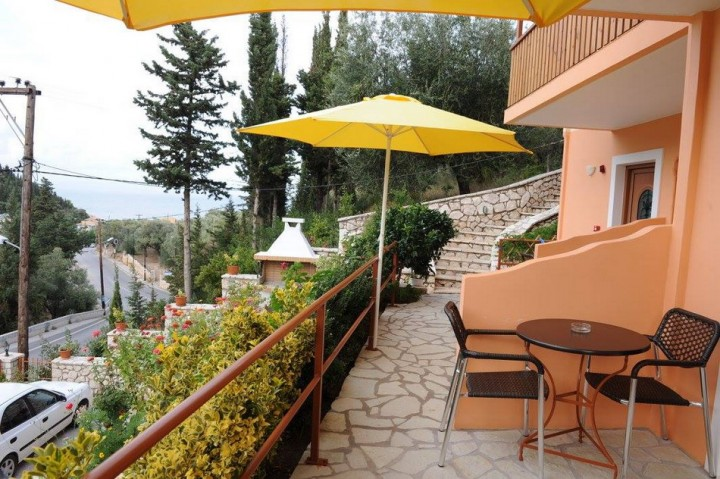 Stathis Apartments