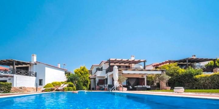 Luez Private Pool Villa