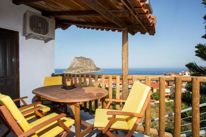 Monemvasia Green Apartments