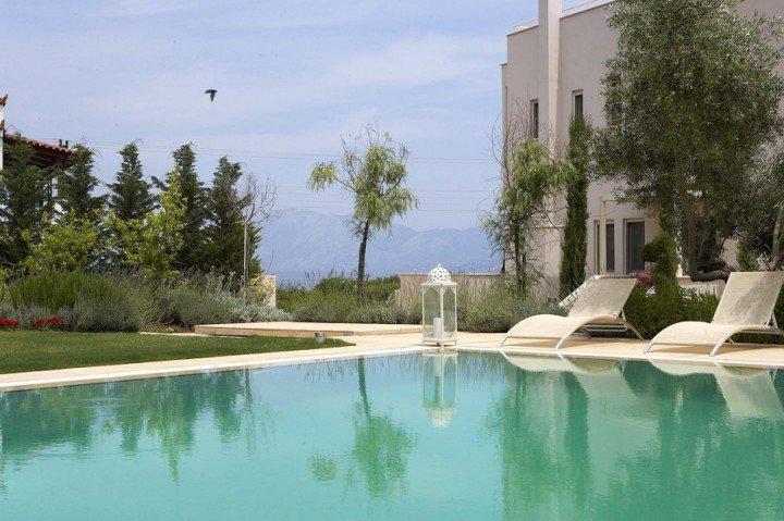 Villa Emerald