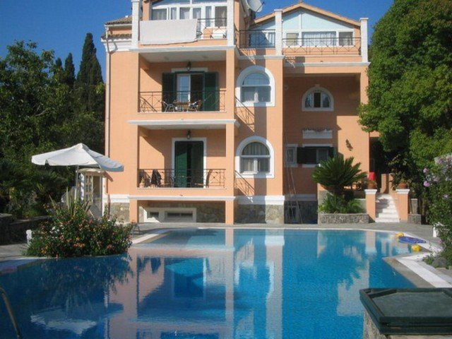 Rosalia Luxury Apartments
