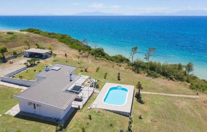 Haddock Beachfront Villa