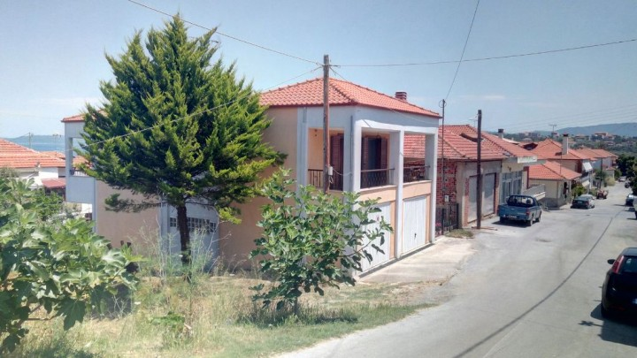 House in Nea Roda
