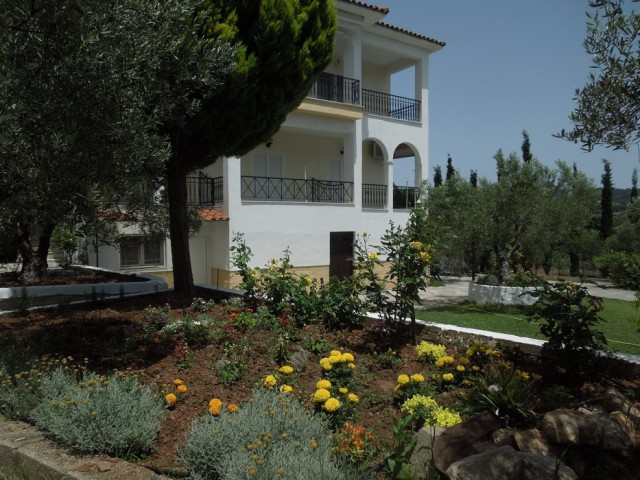 Epavlis Kaleas Apartments