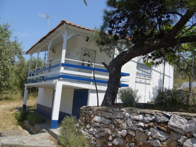 Mathios Cottages