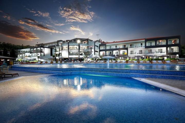 Hotel Blue Dream Palace