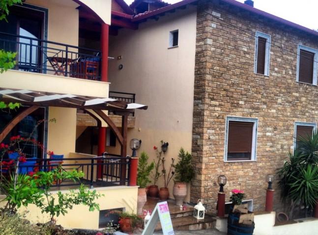 House Petrino