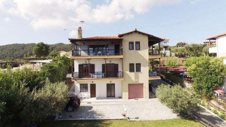 Villa Sakis