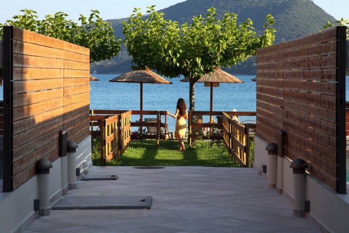 Acqua Di Mare Beachfront Villas