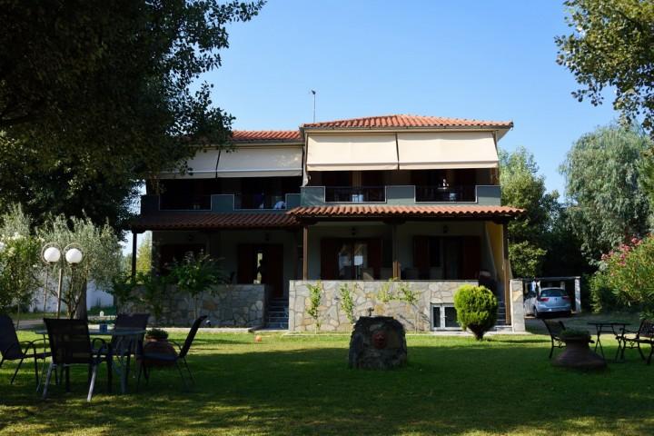 Anna Poussi studios & apartments